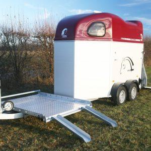 Porte-calèche Cheval Liberté hippomobile aluminium rouge rampes dépliées